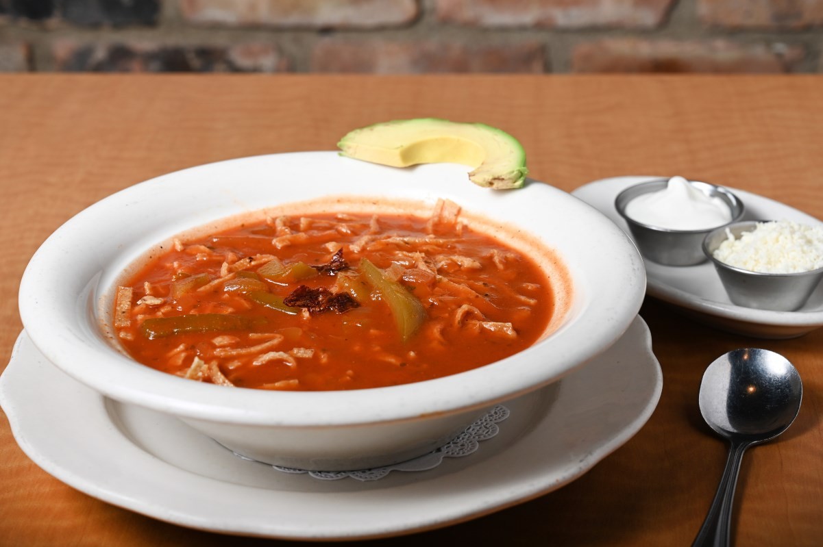 Cesars Soup Menu sopa de fideo